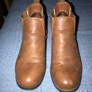Shoes - Light brown Chelsea boots